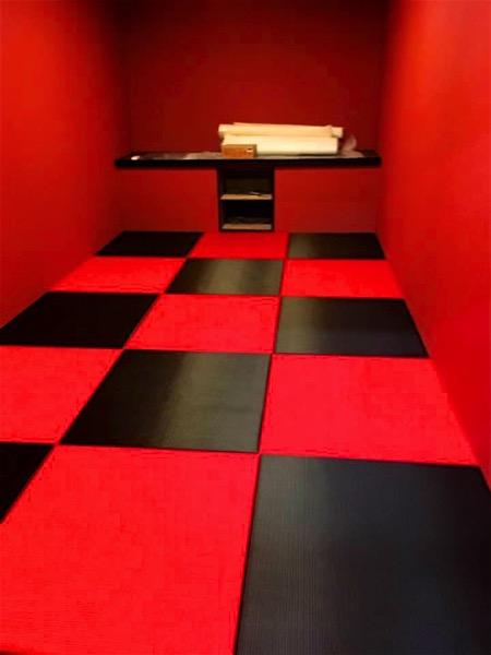 黒赤の畳_3