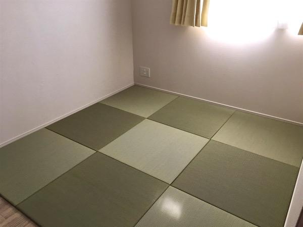 フローリングから畳の部屋へ