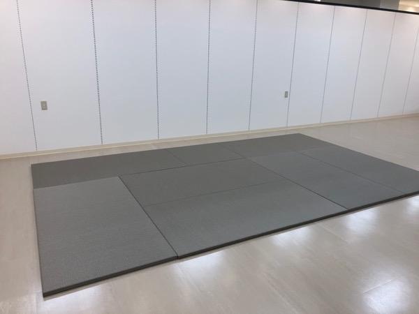 銀鼠色の畳