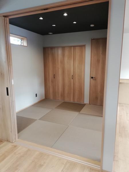 市松模様の畳部屋