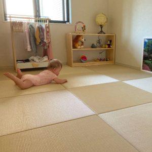引っ越しで前回購入分の置き畳に追加で畳をサイズオーダー。赤ちゃんの遊び場のお部屋が完成。